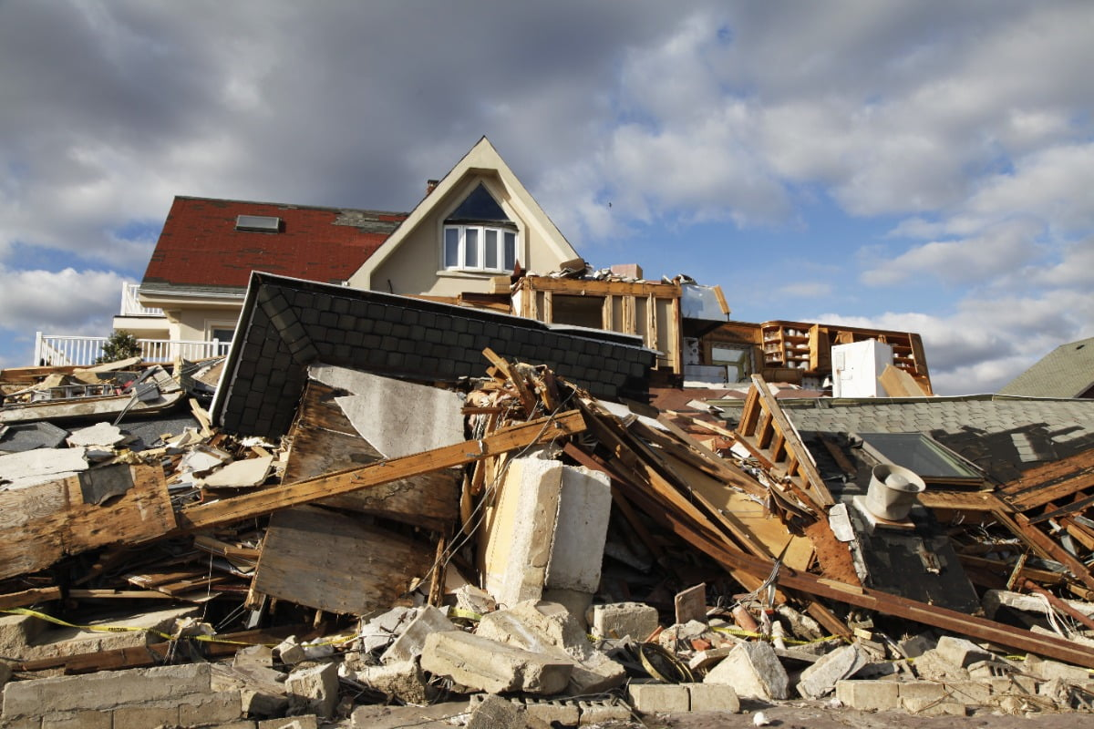house that is destroyed by a catastrophe